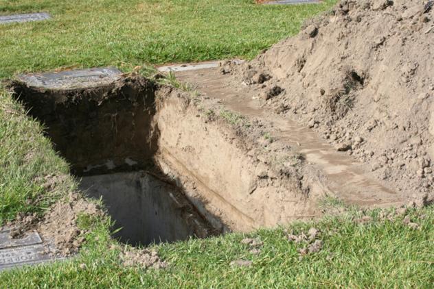 8- grave