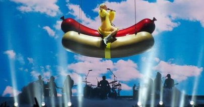 rsz_768px-miley_cyrus_performing_in_vancouver_2014_5-1