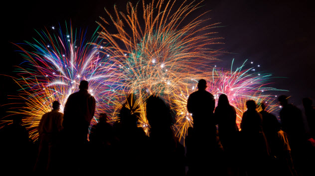 10-fireworks-boxing000020892521_Small