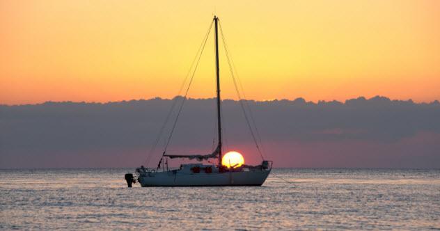 4-boat-on-gulf_000016435232_Small