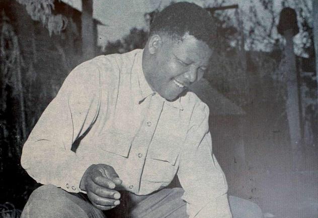 Mandela_burn_pass_1960
