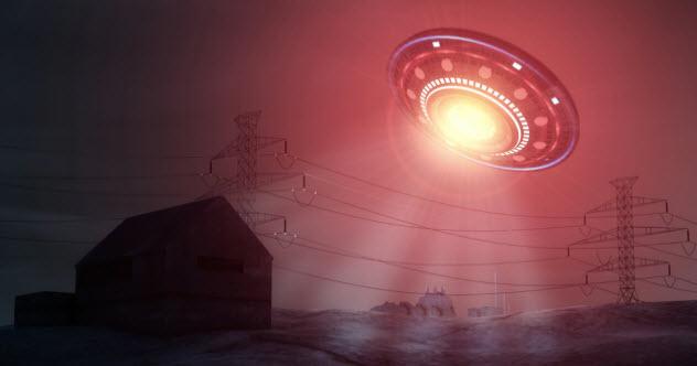 10-red-light-ufo_46813742_SMALL
