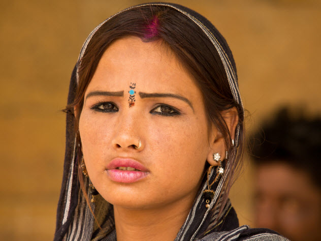 5-indian-girl_21507464_SMALL
