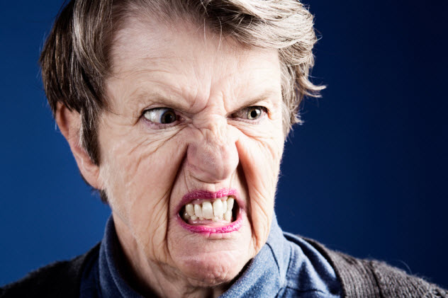 1a-old-woman-mouth-muscles_26492485_SMALL
