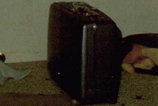 9-suitcase-at-crime-scene