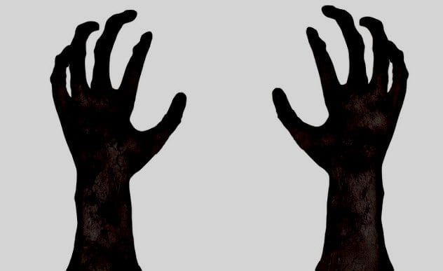 2b-alien-hand-gestures-454936819