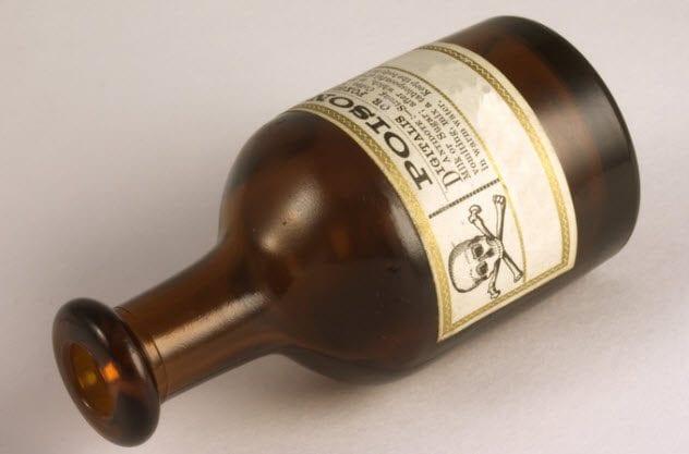 9a-vintage-poison-bottle-92025306
