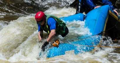feature-a-whitewater-rafting-danger-532701905