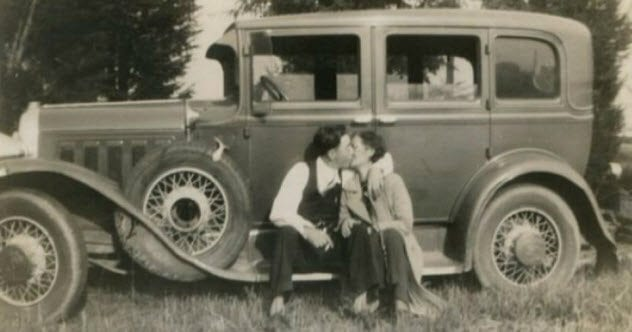 10-bonnie-and-clyde-ford-v8