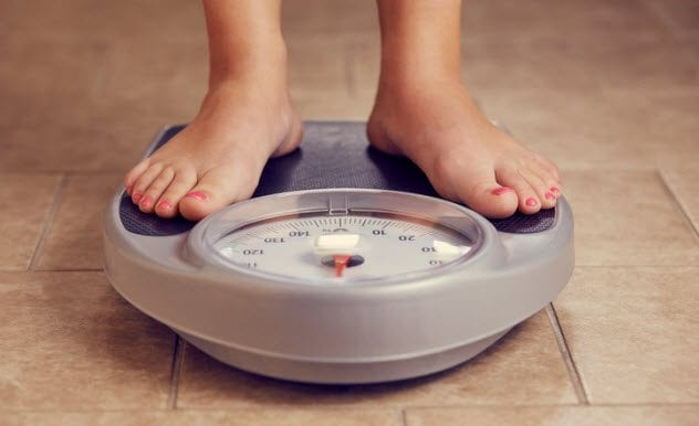 3a-getting-weighed-543180650