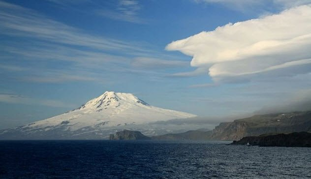 9-jan-mayen-with-beerenberg