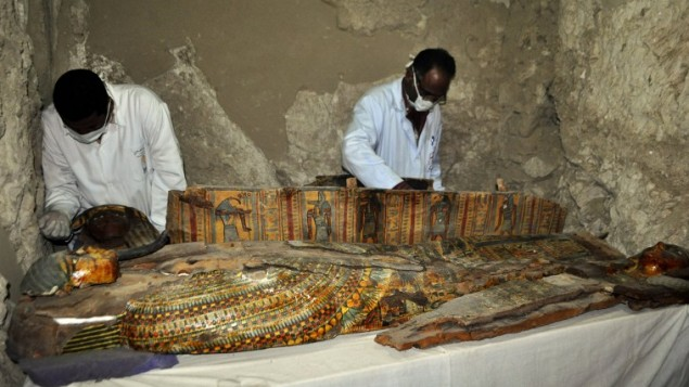 Ancient Tomb of Six Mummies discovered
