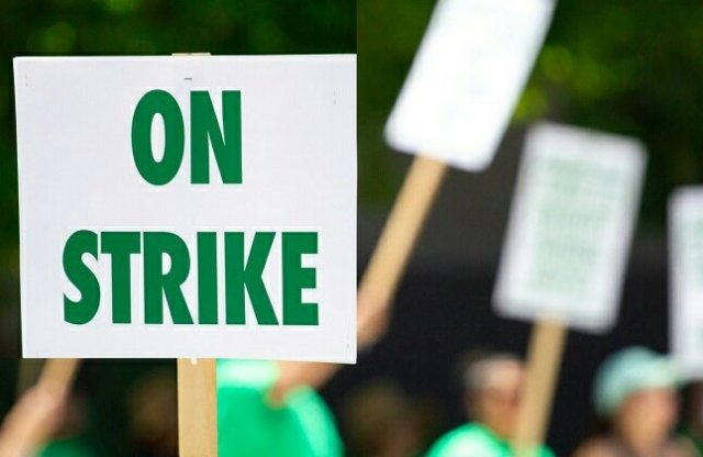 White Workers Begin Strike in South Africa