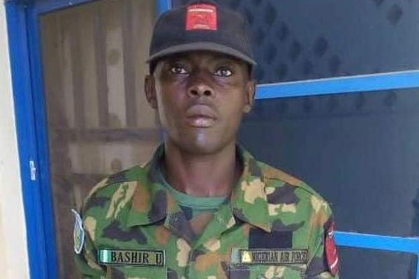 Nigeria Serviceman Finds Parcel Containing €37,000, Returns it