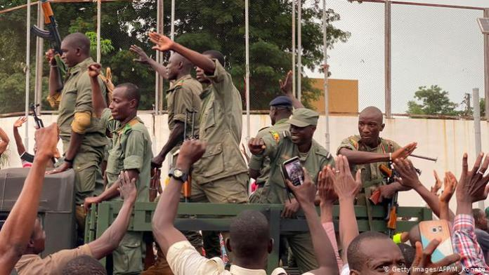 Mali President Resigns After Military Mutiny,