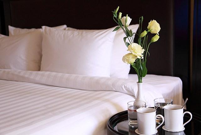 comfy hotel bedding