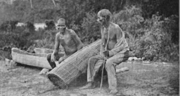 Fishermen and trap at Olokemeji. 1910