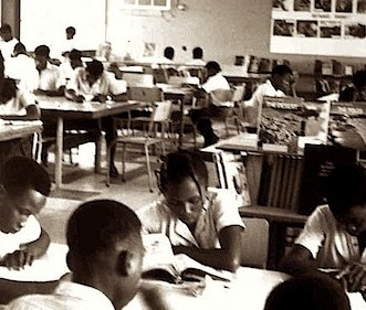 Students inside the library at Comprehensive High School Aiyetoro. 1960s