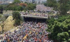 We reject the attempt to impose a tricky and antidemocratic Constituent Assembly