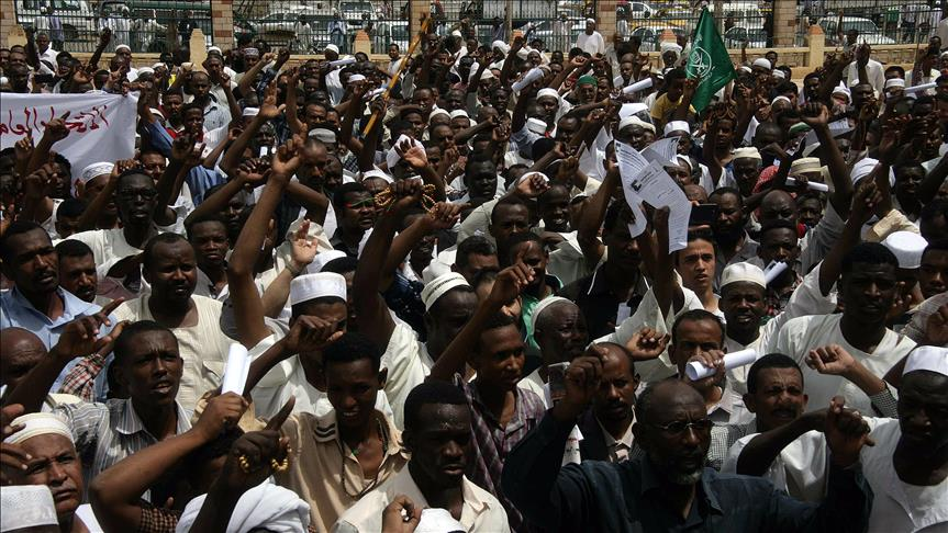 Sudanese government rocked by country wide uprising