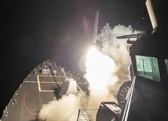 Нет бомбардировкам Трампа в Сирии!  Геноцидный режим Ассада должна свергнуть сирийская революция!