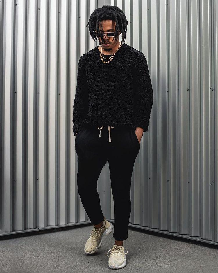 30代メンズに似合う黒ニットコーデ