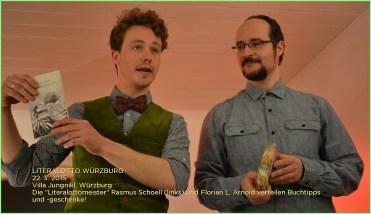 Literalotto #7 in Weissenhorn: Die Literalottomeister Rasmus Schoell (links) und Florian L. Arnold (rechts) verschenken wieder Bücher ...
