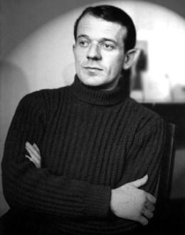 1949-a-1956-gilles-deleuze-habite-avec-quelques-amis-dont-michel-tournier-qui-a-pris-cette-photo
