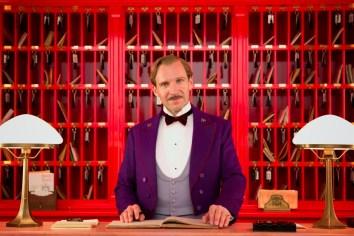 """Ralph Fiennes como """"M. Gustave"""""""