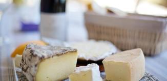 Meniu:(pastă de brânză, varză a la Cluj, cremă de lămâie la pahar)