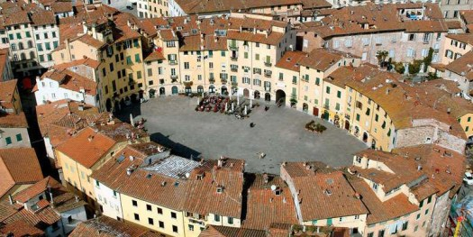 Lucca.