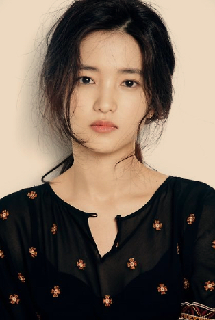 Kim Tae Ri : An Actress That Captivates From The Very First Sight