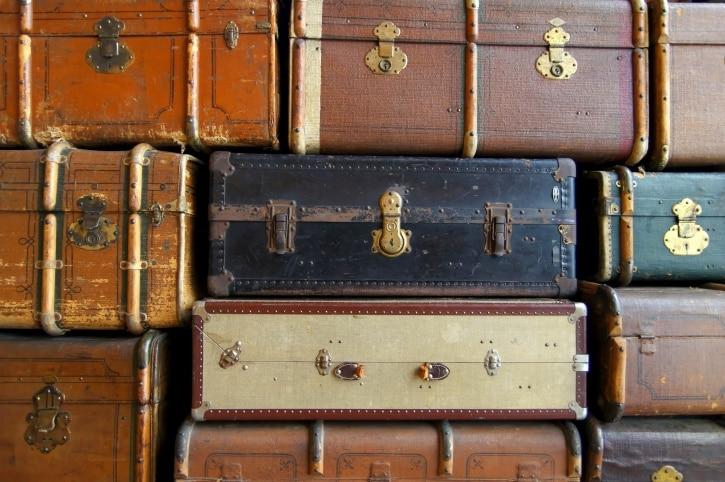 Sechs Koffer