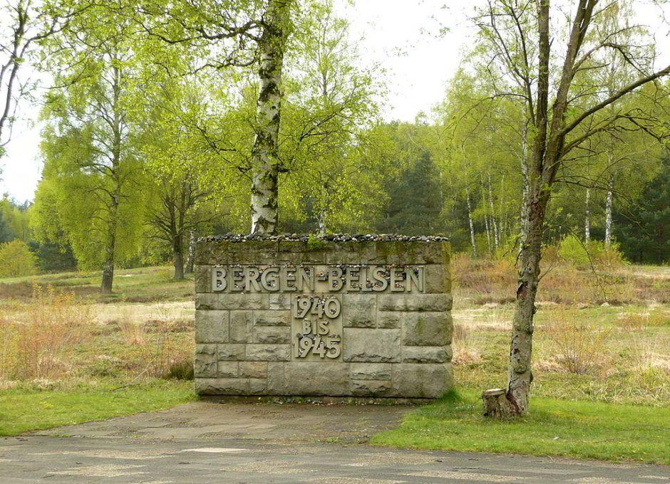 Gedaenkstein Bergen-Belsen