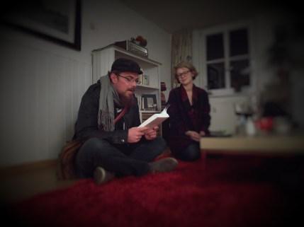 Spontane Wohnzimmerlesung mit dem Ulmer Lyriker Marco Kerler am 1. 5. 2016.