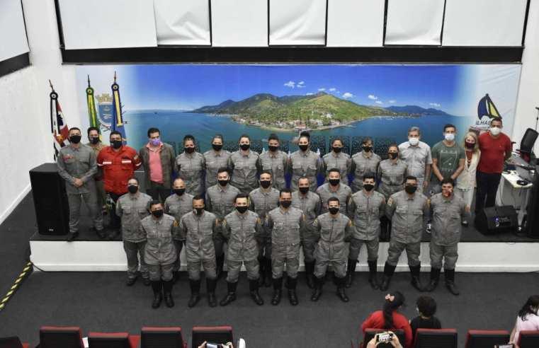 Ilhabela realiza formatura de 21 alunos do curso do Bombeiro Civil