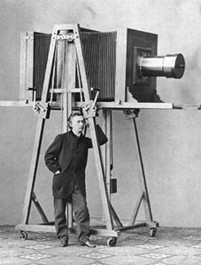 Один из первых фотоаппаратов