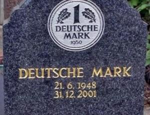 Памятник немецкой марке