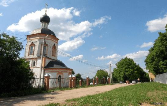Храм Иоанна Богослова в с.Красное, 1706 год.