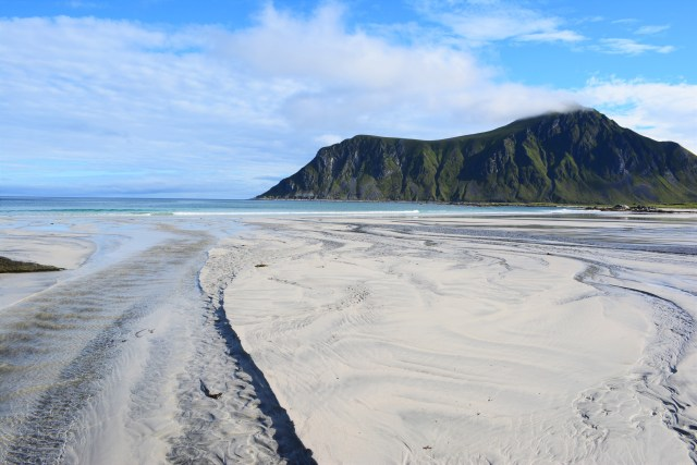 CoverMore_Lisa_Owen_Norway_Lofoten_Beach.JPG