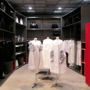 DOVER STREET MARKET - IMMACULATE RETAIL