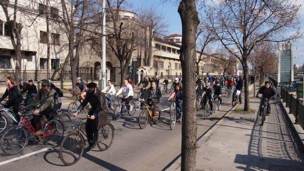 bucharest bicyclists