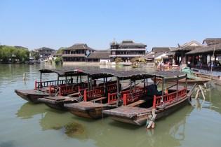 In Jinxi kann man natürlich auch mit Gondeln fahren