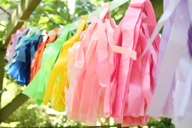 Colourful-garlands-Rainbow-party-Little-Big-Bell