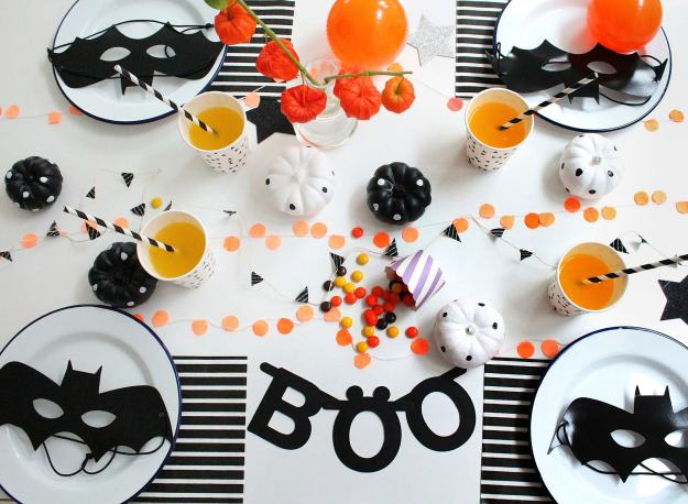 Halloween_table_by_Little_Big_Bell copy-2