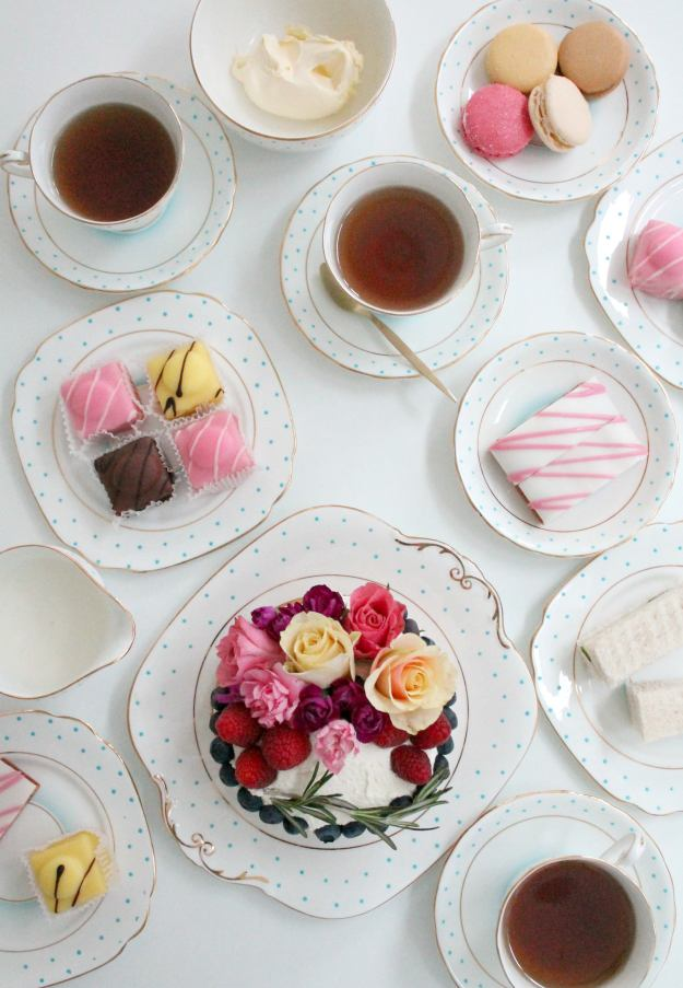 English-tea-party-styled-and-photographed-by-Geraldine-Tan-Little-Big-Bell