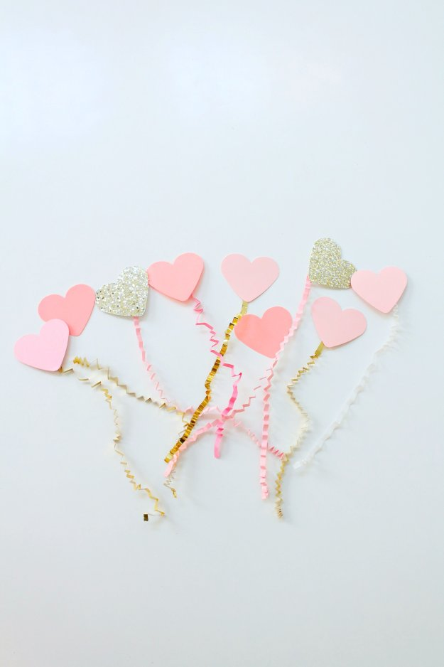 Paper-heart-balloons-designed-by-Geraldine-Tan-of-Little-Big-Bell-blog