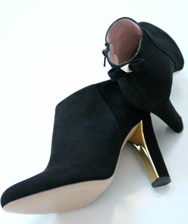 Kate-Spade-Netta-black-suede-shoes-1-photo-by-Little-Big-Bell