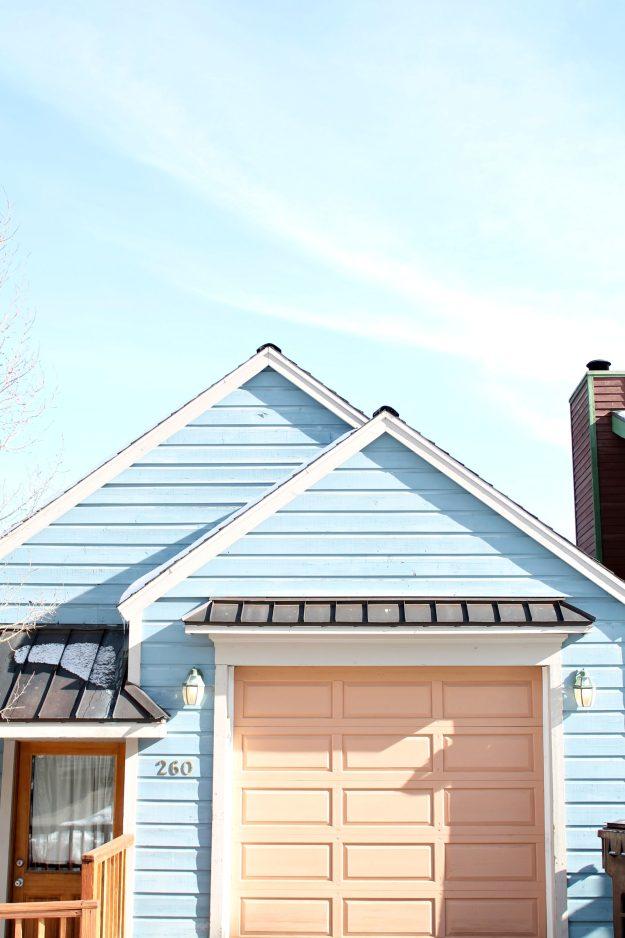 Park-City-pastel-coloured-homes-Little-Big-Bell