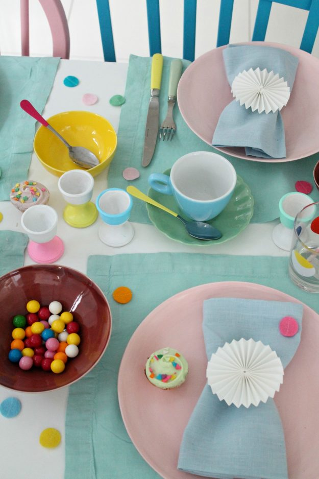 Pastel-table-styling-Little-Big-Bell
